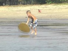 tow-skim-tricks-Knee-On-Connor-Special